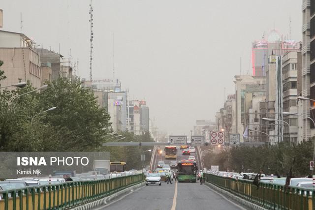 هوای پایتخت برای گروه های حساس ناسالم شد