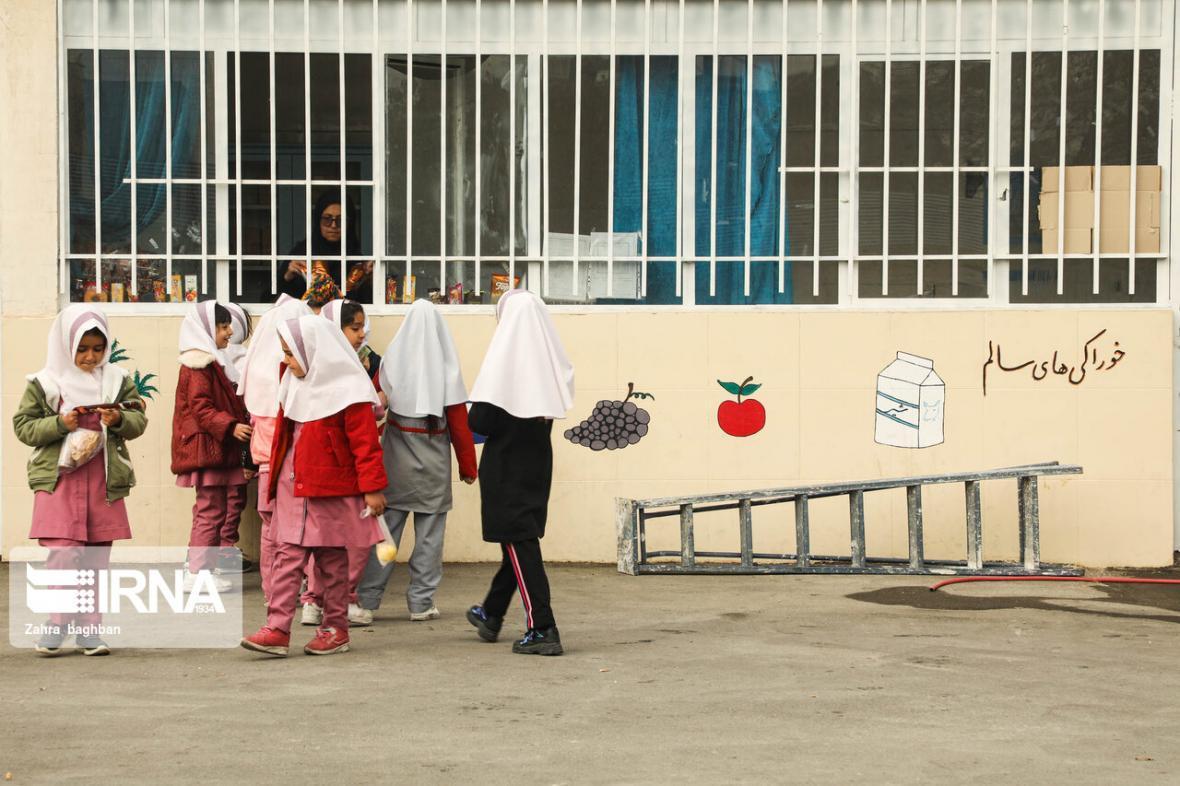 خبرنگاران مراقبین بهداشت مدارس برای مقابله با کرونا توجیه شده اند