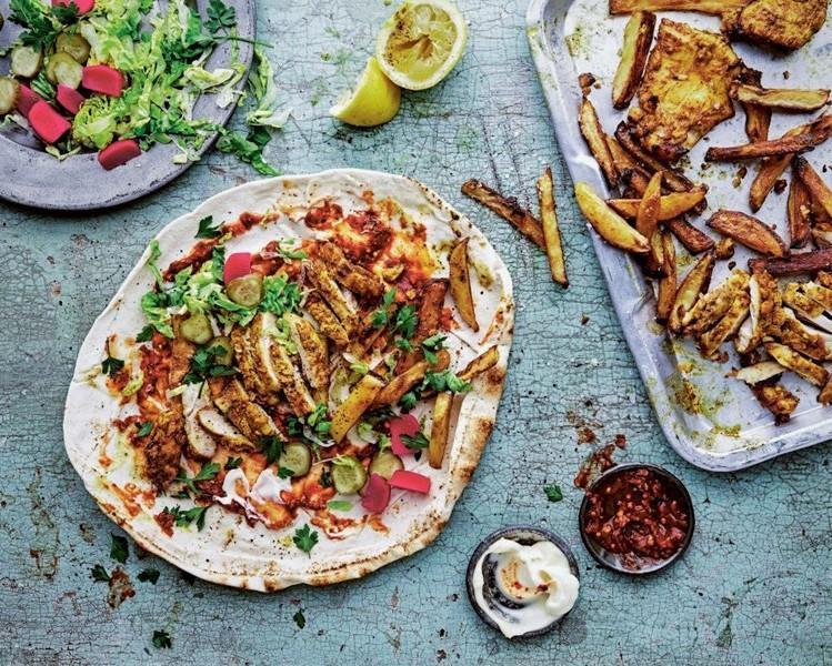 طرز تهیه ساده ساندویچ شاورما مرغ بسیار لذیذ و خوشمزه