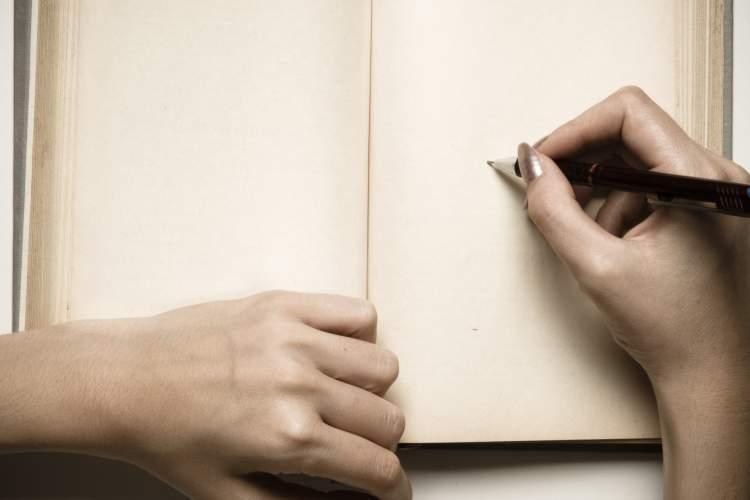 از استفن کینگ تا اورسلا لو گویین: 10 اثر الهام بخش درباره نوشتن