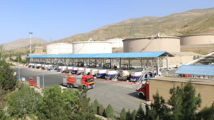 شرکت نفت: انبار نفت شهران ایمن است