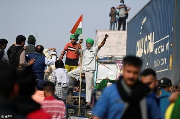 خودکشی کشاورز معترض هندی همزمان با تداوم اعتراضات