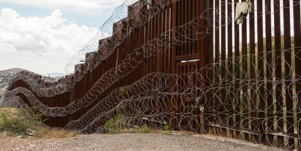 دولت بایدن بودجه نظامی تکمیل دیوار مرزی را لغو کرد