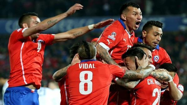 کوپا آمریکا، پیروزی تیم ملی فوتبال شیلی و رسیدن به صدر جدول